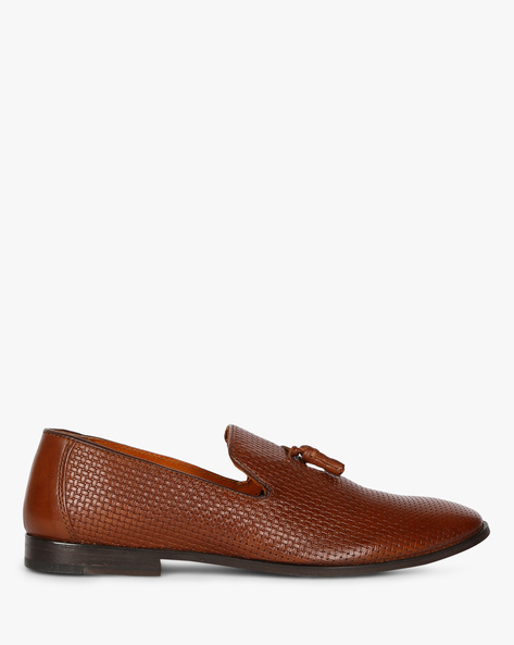 Textured Genuine Leather Loafers With Tassels By RED TAPE ( Brown )