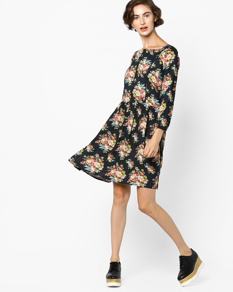 Floral Print Skater Dress By Ginger By Lifestyle ( Navy )
