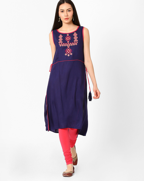 Sleeveless High-Low Kurta With Embroidery By AJIO ( Navyblue )