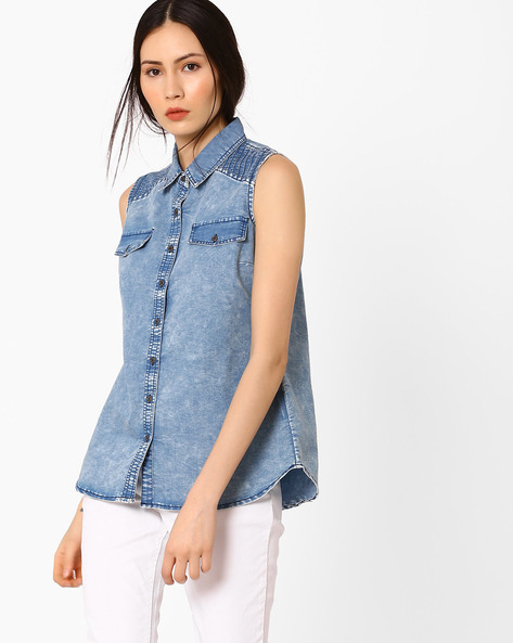 Sleeveless Denim Shirt By AJIO ( Blue )