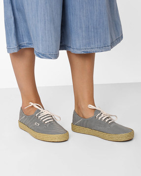 Authentic-Casual-Canvas-Shoes
