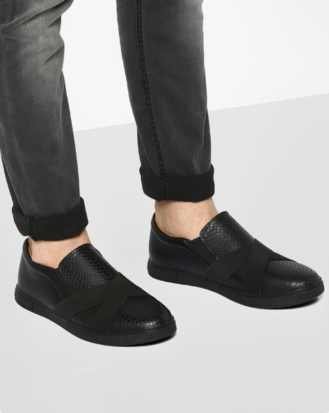 Textured Slip-Ons With Overlay By AJIO ( Black )