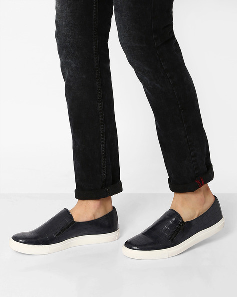 Textured Slip-On Sneakers With Zipper By AJIO ( Navy )