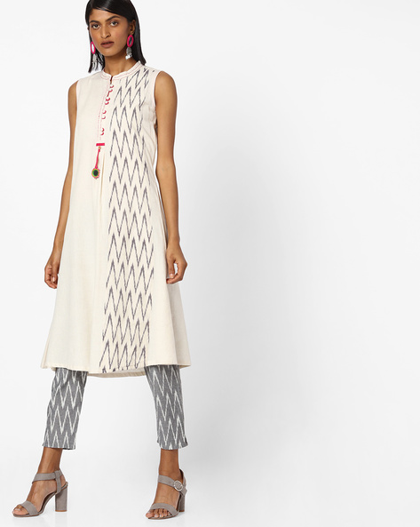 Chevron Print Kurta With Mandarin Collar By SIYAHI ( Offwhite )