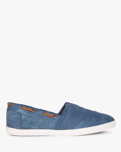 Slip-Ons With Elasticated Gusset By AJIO ( Blue )