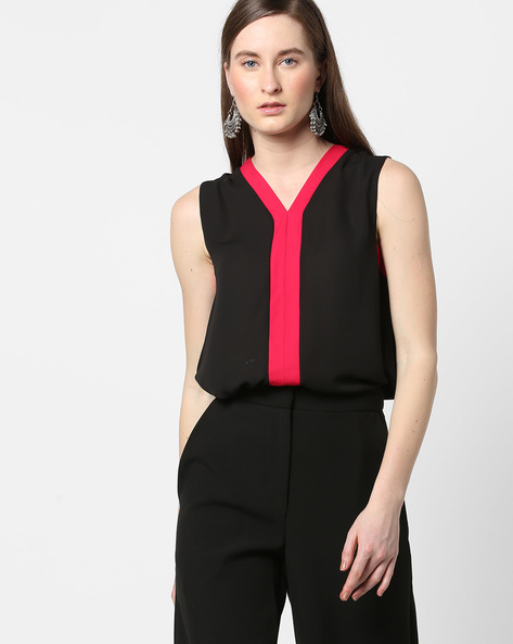 Sleeveless Top With Contrast Taping By AJIO ( Black )