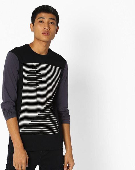 Graphic Print T-shirt With Contrast Sleeves By UNITED COLORS OF BENETTON ( Black )