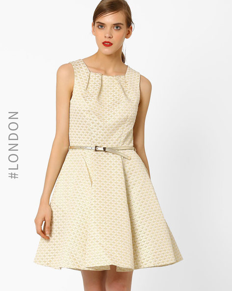 Jacquard Fit & Flare Dress With Belt By Closet London ( Cream )