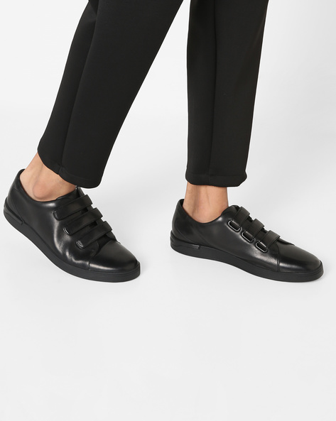 Casual Shoes With Velcro Closures By CLARKS ( Black )