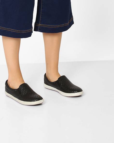 Slip-On Shoes With Basket Weave By Carlton London ( Black )