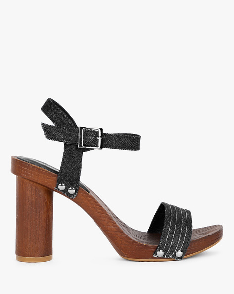 Chunky Heeled Sandals With Ankle Strap By AJIO ( Black )