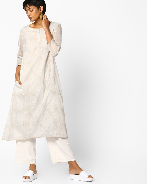 Striped Kurta With Embroidery By PE IW Evening ( Offwhite )
