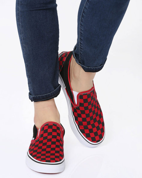 Checked Slip-on Casual Shoes By Vans ( Black )