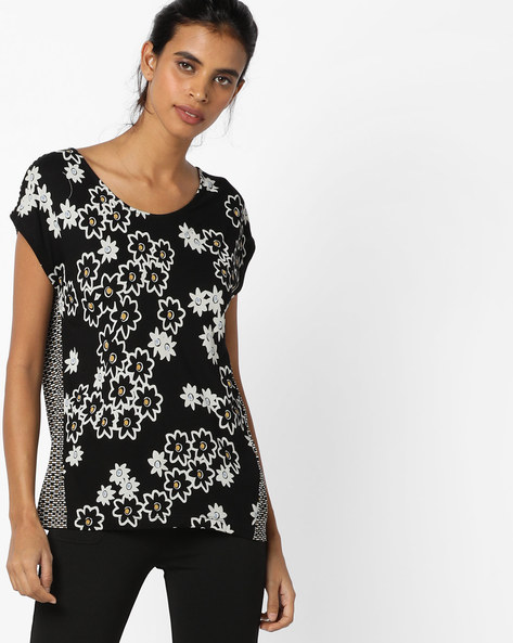 Printed Knitted Top By UNITED COLORS OF BENETTON ( Black )