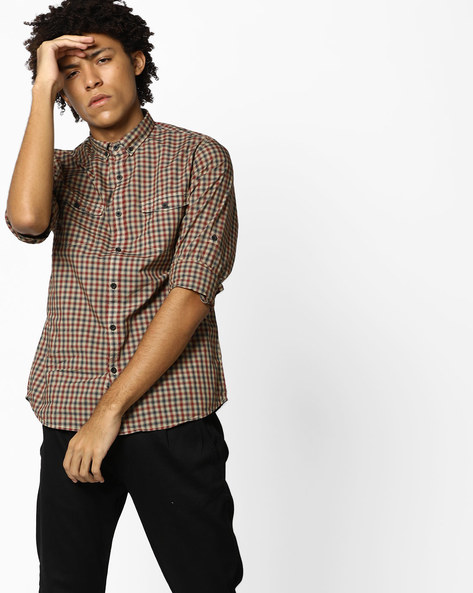 Checked Slim Fit Shirt With Button-Down Collar By AJIO ( Red )