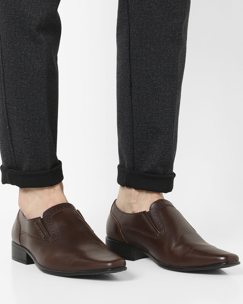 Perforated Slip-On Loafers By ALBERTO TORRESI ( Brown )