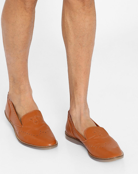 Classic Loafers With Broguing By Knotty Derby ( Tan )