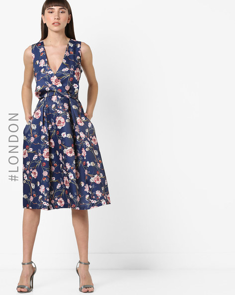 Floral Print Fit & Flare Dress With Plunging Neck By Closet London ( Multi )