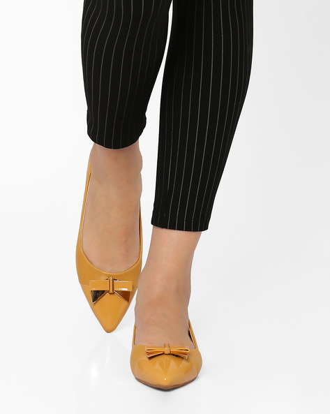 Pointy-Toe Ballerinas With Bow Detail By AJIO ( Brown )