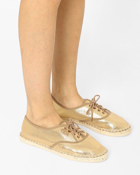 Shimmery Lace-Up Espadrilles By Carlton London ( Gold )