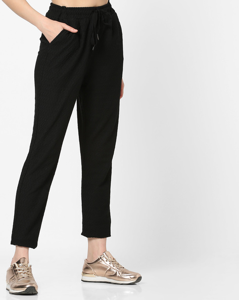 Flat-Front Trousers With Elasticated Waist By Vero Moda ( Blackcharcoal )