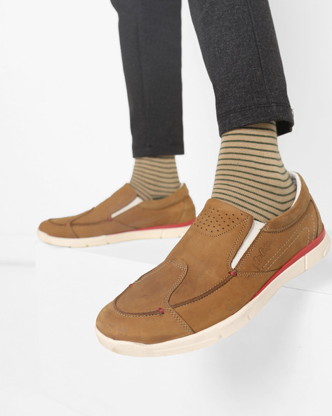 Low-Top Panelled Sneakers With Elasticated Gussets By Lee Cooper ( Camel ) - 460178632010