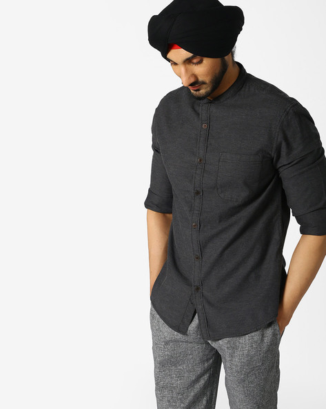 Slim Fit Shirt With Mandarin Collar By AJIO ( Charcoal )
