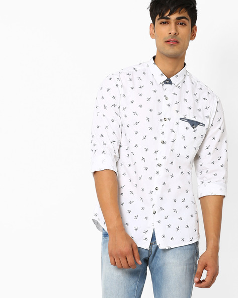 Printed Slim Fit Shirt With Welt Pocket By AJIO ( White )