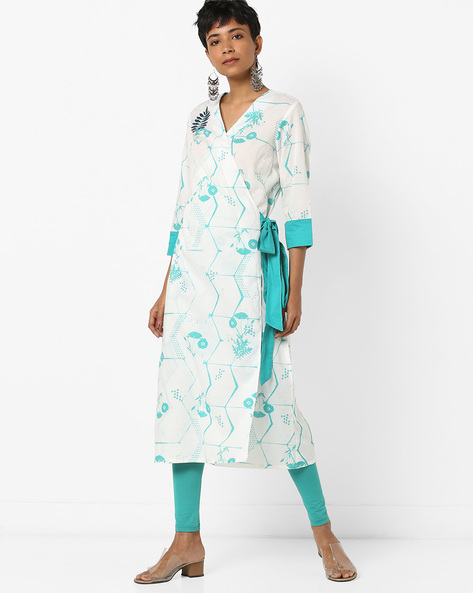 Floral Print Kurta With Overlapping Front By AJIO ( Offwhite )