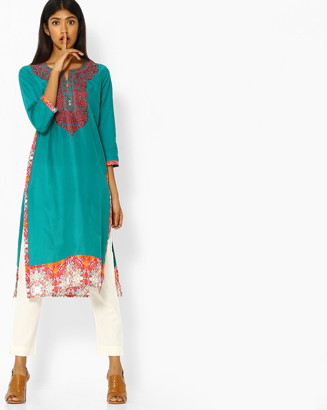 Straight Kurta With Floral Embroidery By Purple Tree ( Green )
