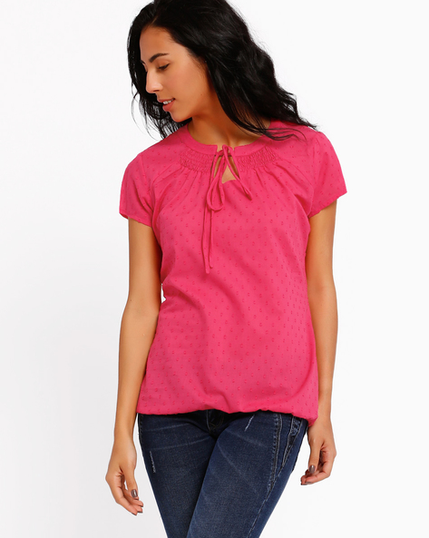 Dobby Weave Top By Style Quotient By Noi ( Fuchsia )