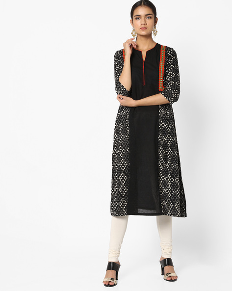 Panelled Straight Kurta With Embroidery By Shakumbhari ( Black )