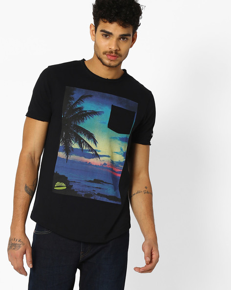 Graphic Print T-shirt With Patch Pocket By Teamspirit ( Black )