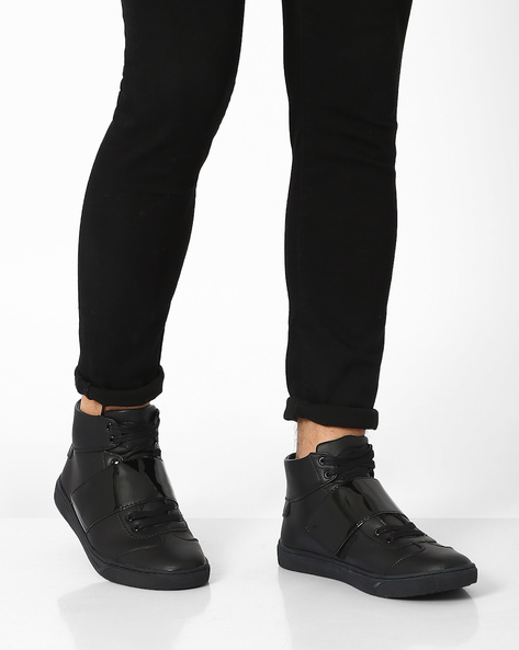 Panelled High-Top Sneakers By AJIO ( Black )