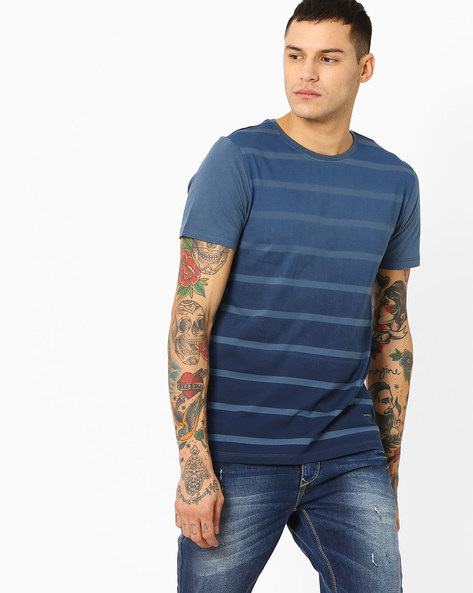 Graded Ombre-Dyed Slim Fit T-shirt By AJIO ( Blue )