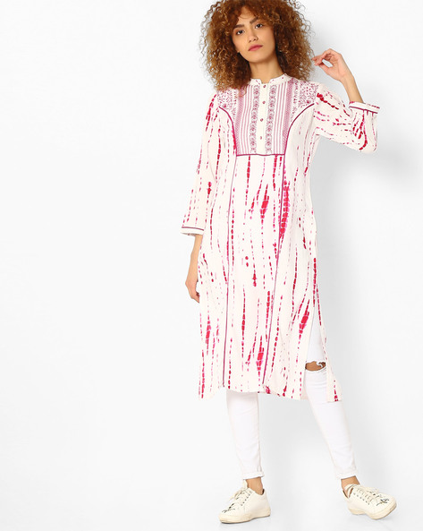 Printed Straight Kurta With Embroidered Detail By Jiyaa ( Pink )