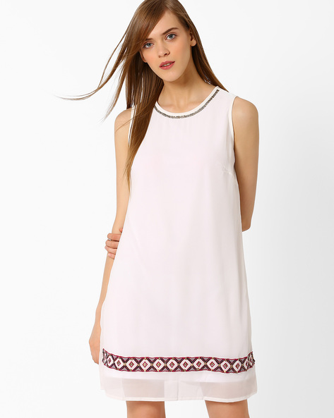 Shift Dress With Embellishments By Oxolloxo ( White )