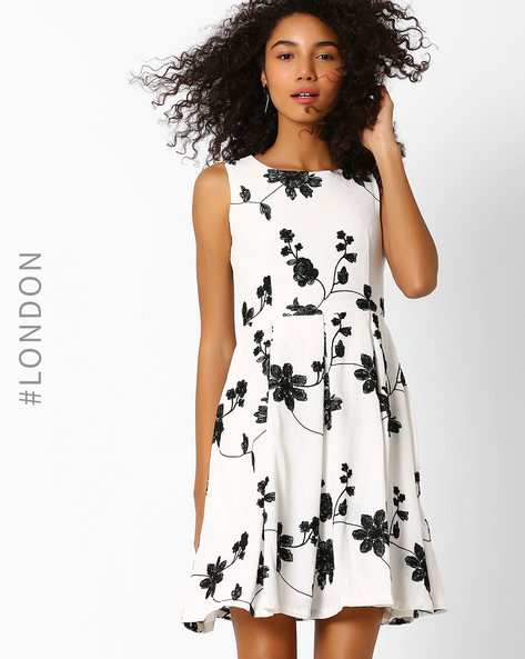 Floral Embroidered Skater Dress By Zibi London ( White )