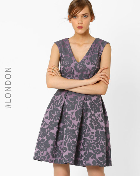 Fit & Flare Pleated Dress By Closet London ( Lilac )