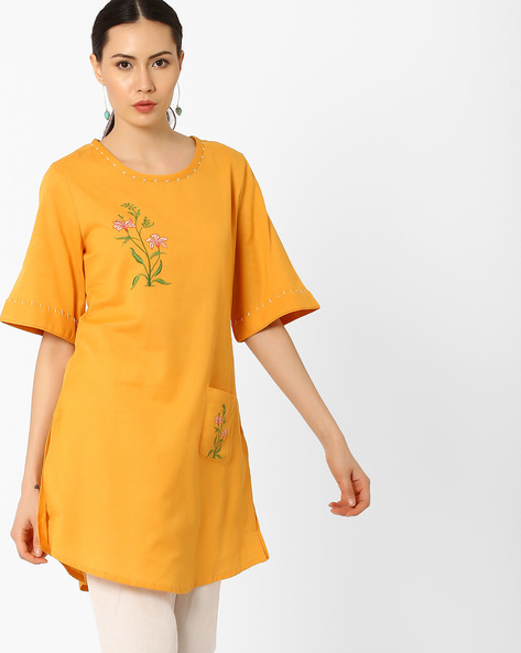 Kimono Sleeves Tunic With Embroidery By AJIO ( Mustard )