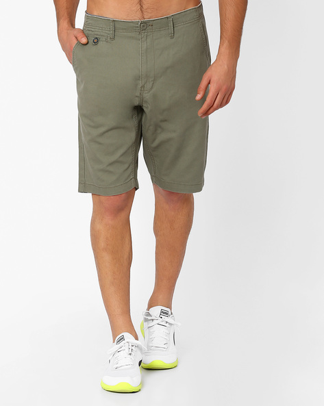 Mid-Rise Shorts With Slant Pockets By NETPLAY ( Olive )