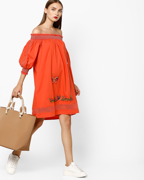 Embroidered Off-Shoulder Shift Dress By AJIO ( Coral )