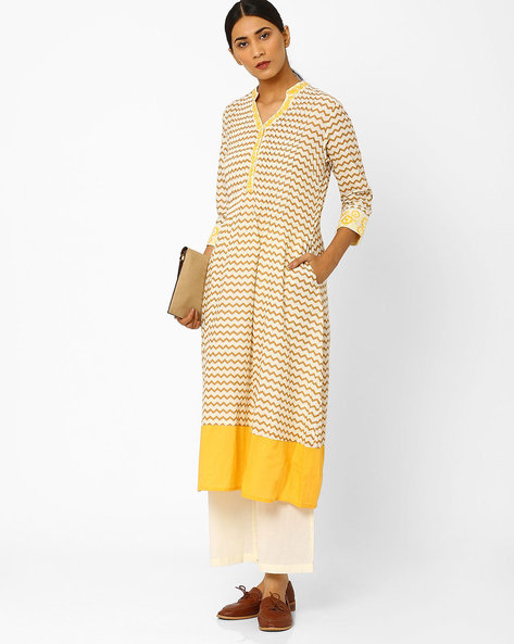 Chevron Print Kurta With Embroidery By AJIO ( Beige )