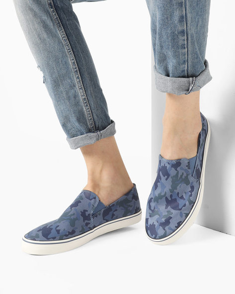 Camouflage Print Slip-On Shoes By UNITED COLORS OF BENETTON ( Blue )