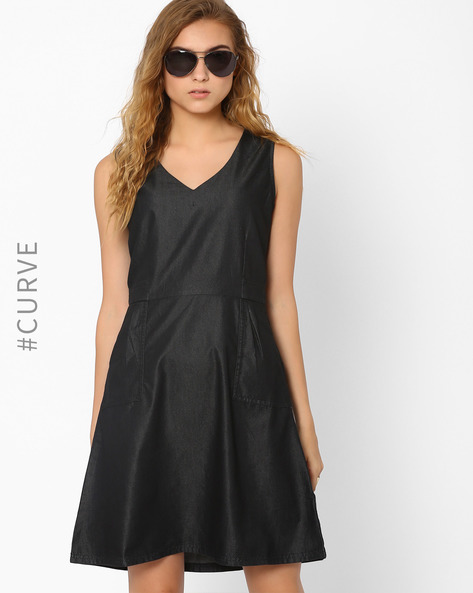 Sleeveless Denim Dress By AJIO ( Black )