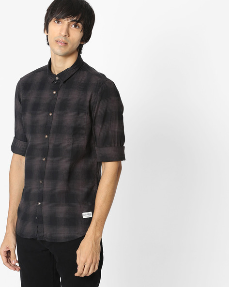 Checked Shirt With Patch Pocket By FLYING MACHINE ( Grey )