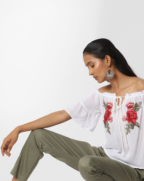 Off-Shoulder Top With Bell Sleeves By Ginger By Lifestyle ( White )