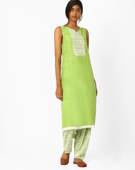 Sleeveless Kurta With Printed Yoke By AJIO ( Green )