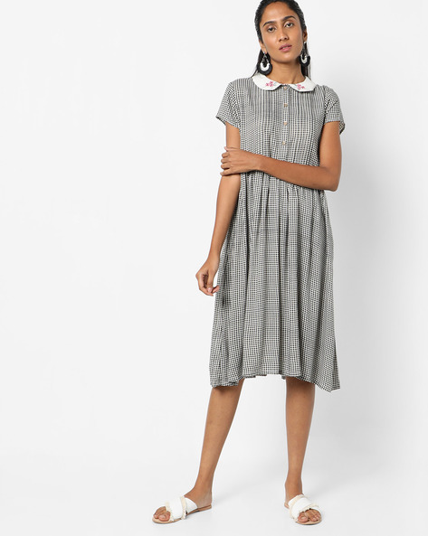 Checked Dress With Embroidered Peter Pan Collar By AJIO ( Black )