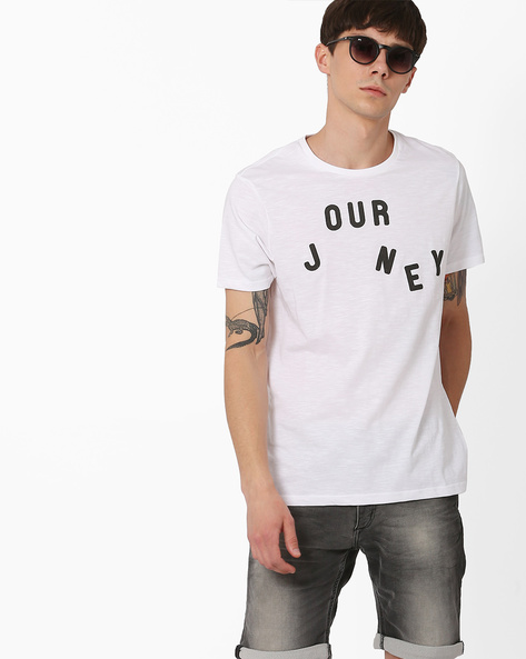 Slim Fit T-shirt With Typographic Print By AJIO ( White )